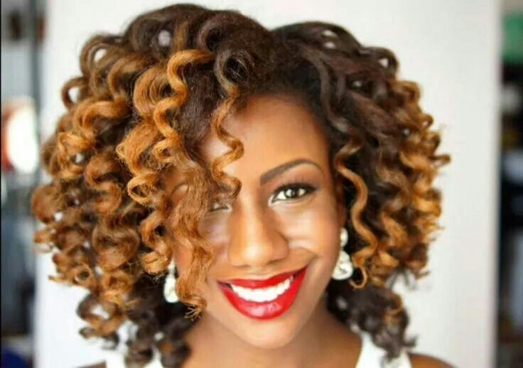 Donedo with her Curl Wand curls